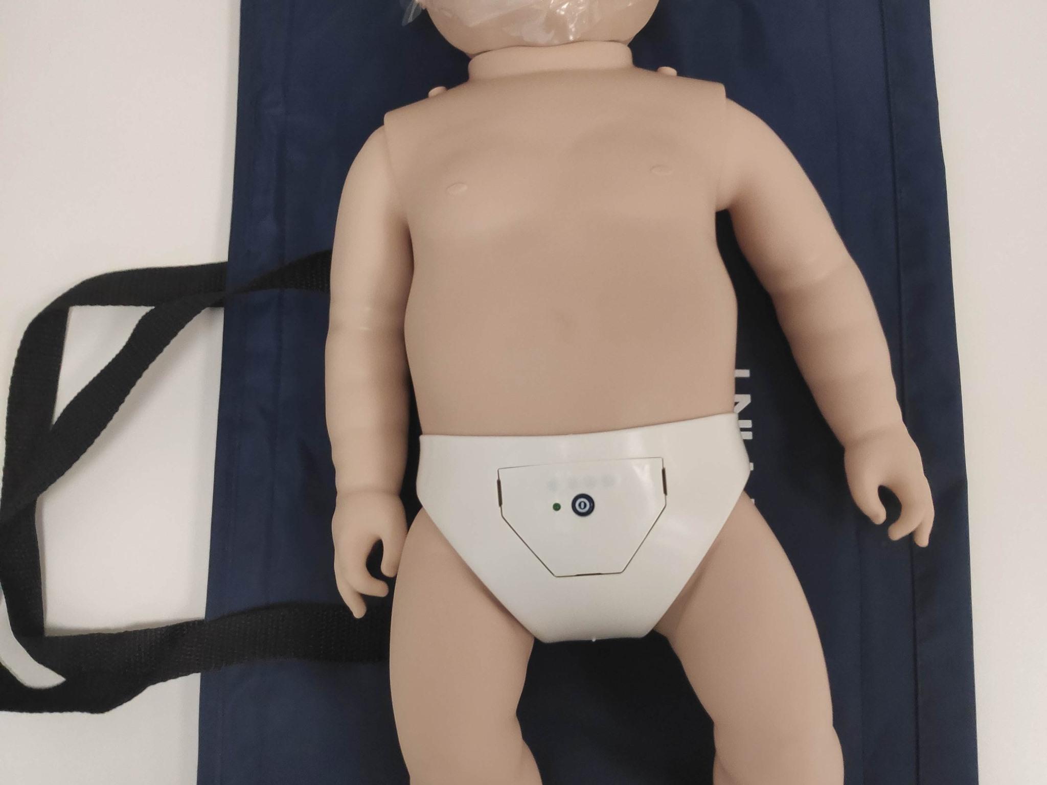 Manekin do resuscytacji krążeniowo oddechowej niemowlę